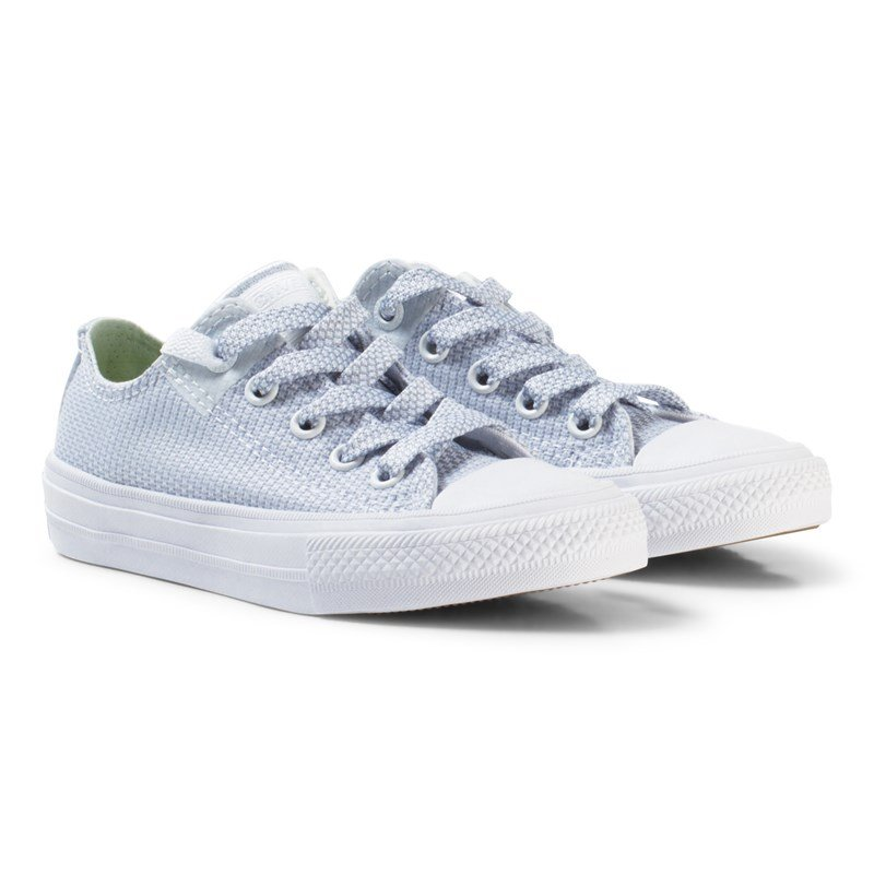 Läs mer om ConverseWhite Chuck Taylor All Star II Junior Velcro Trainers27 (UK 10)