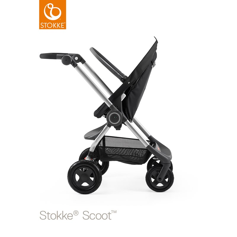 Stokke Scoot™ Barnvagn Svart Silver Chassis Black Handle
